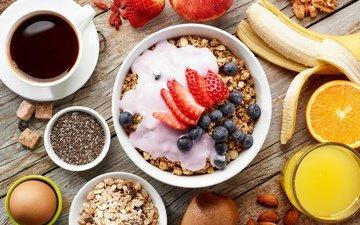 орехи, клубника, кофе, апельсин, киви, черника, завтрак, банан, яйцо, мюсли, сок, гайки, черничный