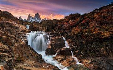 река, горы, водопад