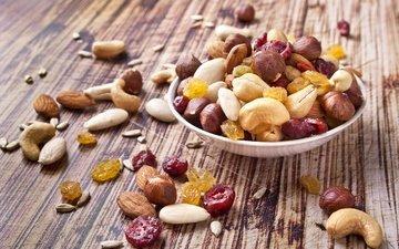 орехи, изюм, гайки, сухофрукты