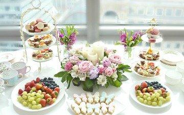 виноград, клубника, ягоды, черника, сладкое, печенье, декор, макарун