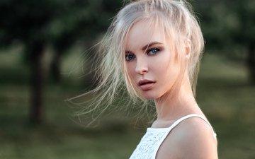 девушка, блондинка, портрет, взгляд, модель, прическа, георгий чернядьев, виктория пичкурова, вика, российская