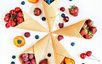 малина, клубника, абрикос, ягоды, вишня, черника, рожок, вафля, вишенка, черничный