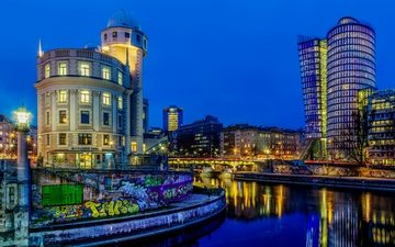 ночь, фонари, огни, река, дизайн, канал, австрия, дома, набережная, граффити, рыбаки, вена