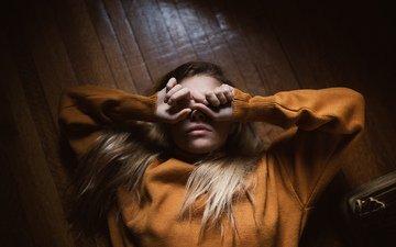 девушка, пол, волосы, губы, лицо, руки, marta