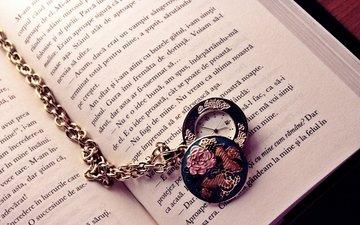 буквы, часы, книга, стрелки, цепочка, страницы