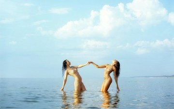 sea, girls, naked, posing