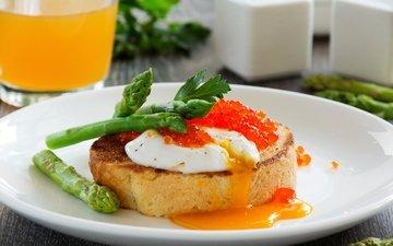 завтрак, икра, спаржа, breakfast, тост, fresh toast with poached egg, eggs and asparagus, яйцо-пашот