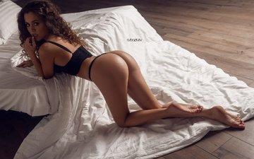 девушка, лежит, попа, трусики, грудь, кровать, милая, секси, сиськи, подушка, стринги, попка, красивая, шатенка, симпатичная, сексуальная, ногами
