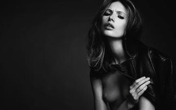 взгляд, чёрно-белое, модель, волосы, губы, волос, обнаженный до пояса, black&white, кожаная куртка, mona johannesson, мона йоханнссон, модел