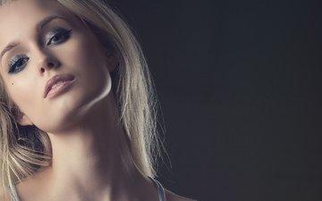 девушка, фон, блондинка, взгляд, лицо, макияж, тени, ресницы, шея
