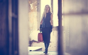 девушка, настроение, чемодан