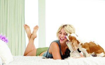 девушка, улыбка, собака, актриса, собаки, спаниель, джулианна хаф