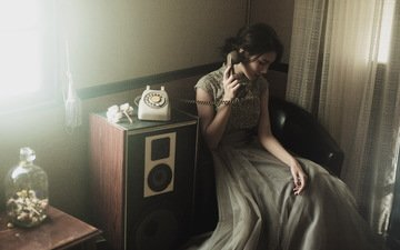 девушка, дом, телефон