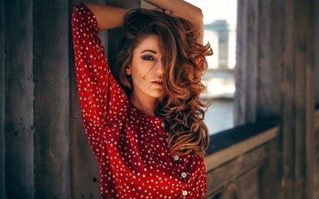 девушка, модель, горошек, блузка, рыжеволосая, кареглазая
