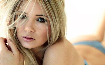 девушка, блондинка, взгляд, губы, кареглазая, narratographer