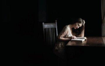 свет, девушка, настроение, фон, стол, стул, кресло, книга, чтение, gевочка, легкие, read, настольная, книгa