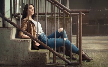 лестница, девушка, фото, брюнетка, джинсы, перила, ножки, куртка, gевочка, jason harynuk, модел, jacqueline mae
