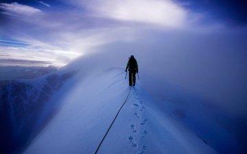 горы, снег, альпинист