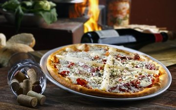сыр, вино, колбаса, помидоры, пицца, начинка, пробка, горячая, специи, брынза, помидорами