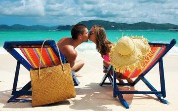 облака, вода, настроение, море, пляж, острова, мешок, мальчик, мужик, ситуации, праздник, женщина, катера, ушанка, ландшафт, людей, песка, на природе, тропическая, couple, расслабся, влюбленная, каникулы, летнее, gевочка, воздушны поцелуй, ощущение, beach chairs, kissing, sunglass