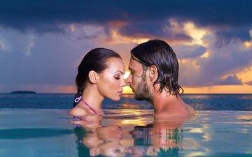 вода, закат, настроение, море, мальчик, мужик, романтик, женщина, неба, ландшафт, вечернее, грань, couple, влюбленная, gевочка, ощущение, swimming pool, touching them, closeness, close eyes, sensuality, proximity