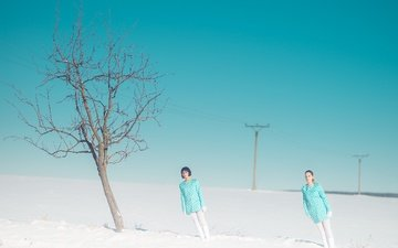 snow, tree, girls, tilt