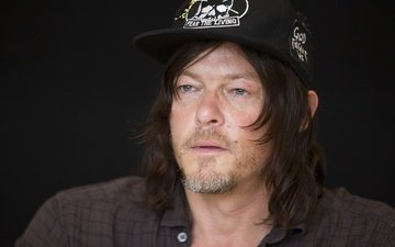 "look, actor, face, male, norman reedus, comic-con 2016, at the press conference of the series, ""the walking dead"""