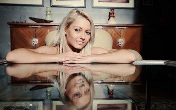 девушка, отражение, блондинка, улыбка, модель, секси, смайл, блонд, gевочка, сексапильная