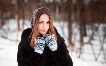 деревья, снег, природа, зима, девушка, поза, портрет, взгляд, модель, макияж, прическа, позирует, красотка, мех, шуба, платок, рыженькая, варежки, aleksei gilev, анна фараон