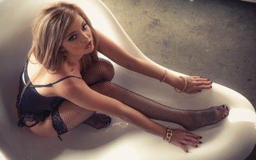 девушка, попа, модель, сетка, ноги, ножки, чулки, милая, секси, пирсинг, попка, жопа, миленькая, без задних ног, gевочка, сексапильная