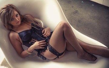 девушка, попа, модель, сетка, татуировки, ноги, тату, ножки, чулки, милая, секси, пирсинг, попка, жопа, миленькая, без задних ног, gевочка, сексапильная