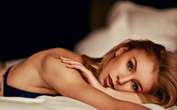 девушка, портрет, лицо, постель, бюстгальтер, клэр луиза патерсон