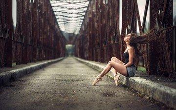 брюнетка, мост, девушки, ножки, балерина, красивые ноги, стройные ножки