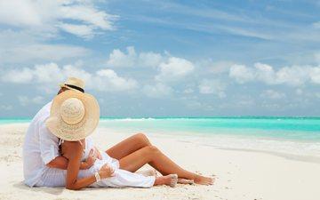 девушка, море, песок, пляж, океан, ноги, пара, мужчина, загар, двое, тропики, шляпа, влюбленные