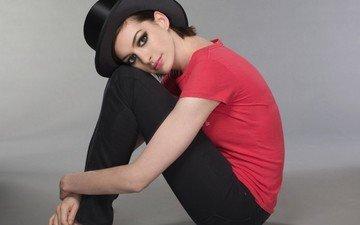 girl, actress, singer, producer, american, dark hair, anne hathaway