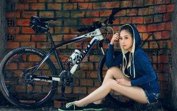 девушка, ножки, велосипед, капюшон, джинсовые шорты, giant xtc 2016