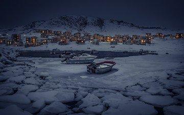 вечер, озеро, горы, снег, природа, зима, пейзаж, деревня, лёд, лодка, дом, здание, гренландия, снежная вершина, рыбацкая деревушка