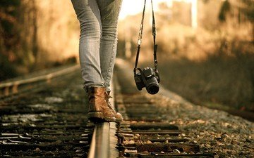 железная дорога, рельсы, девушка, фотоаппарат, ноги, фотограф, камера