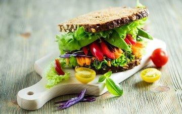 свет, листья, доска, бутерброд, булки, хлеб, овощи, помидор, перец, салат