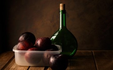 фрукты, плоды, бутылка, натюрморт, сливы