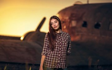 sunset, the plane, background, pose, jeans, makeup, hairstyle, beauty, shirt, brown hair, bokeh