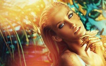 стиль, блондинка, взгляд, лицо, руки, золото