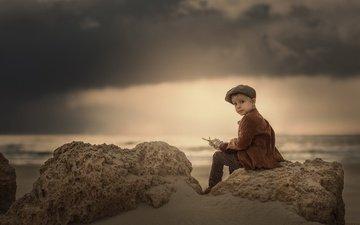 природа, берег, поза, взгляд, дети, лицо, ребенок, мальчик, кепка