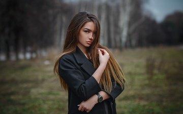 деревья, девушка, портрет, поляна, плащ, макияж, прическа, позирует, шатенка, в чёрном, на природе, боке, alexandra, hakan erenler