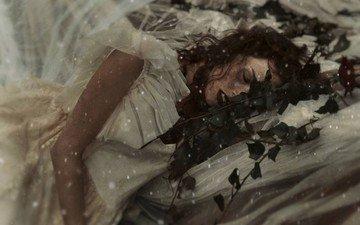 цветы, девушка, платье, сон, волосы, лицо, веснушки, рыжеволосая, michalina cysarz