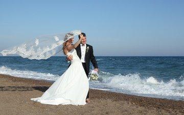 волны, море, платье, лето, радость, букет, жених, невесты, свадьба, невеста, фата, венчание, в платье, groom