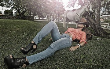 horse, girl, the situation, model, jeans, kelly amorim