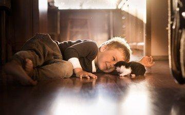 настроение, люди, котенок, дети, радость, мальчик, животное, друзья
