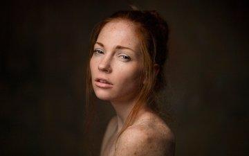 девушка, портрет, взгляд, волосы, лицо, веснушки, рыжеволосая, оксана бутовская