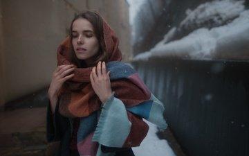 снег, девушка, портрет, взгляд, модель, лицо, платок, шатенка, прелесть, настя, анастасия никитина, tatiana
